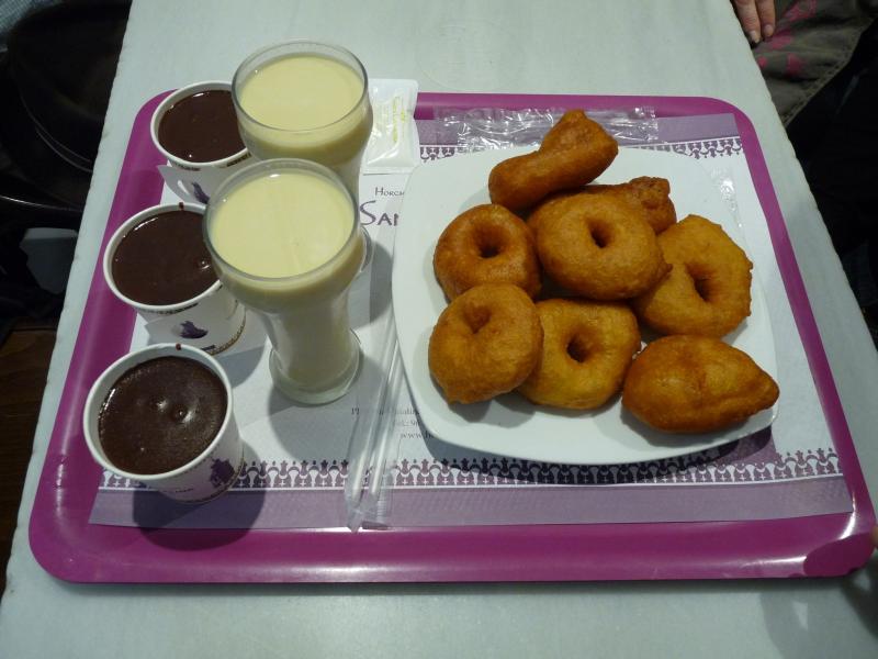 Bunuelos Horchata y Chocolate